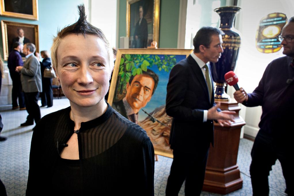 Performance med Statsminister og medier - foto lars Krabbe.